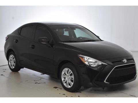 Pre-Owned 2020 Toyota Yaris L FWD 4dr Car